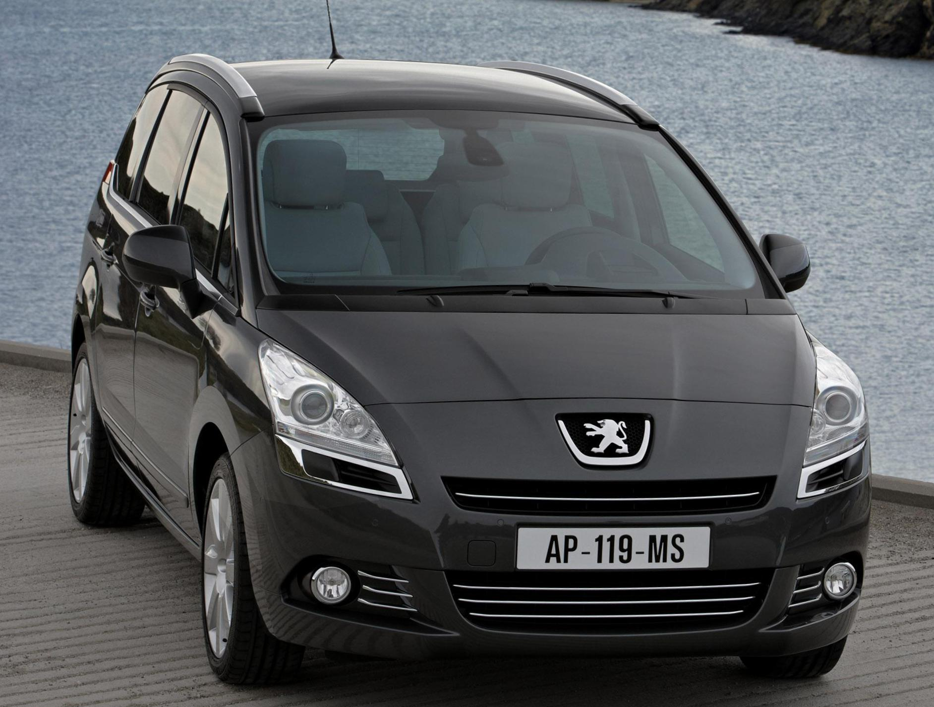 5008 Peugeot approved 2011