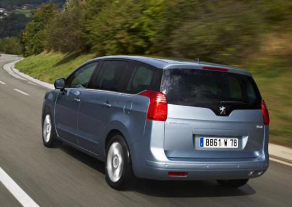 Peugeot 5008 approved 2013
