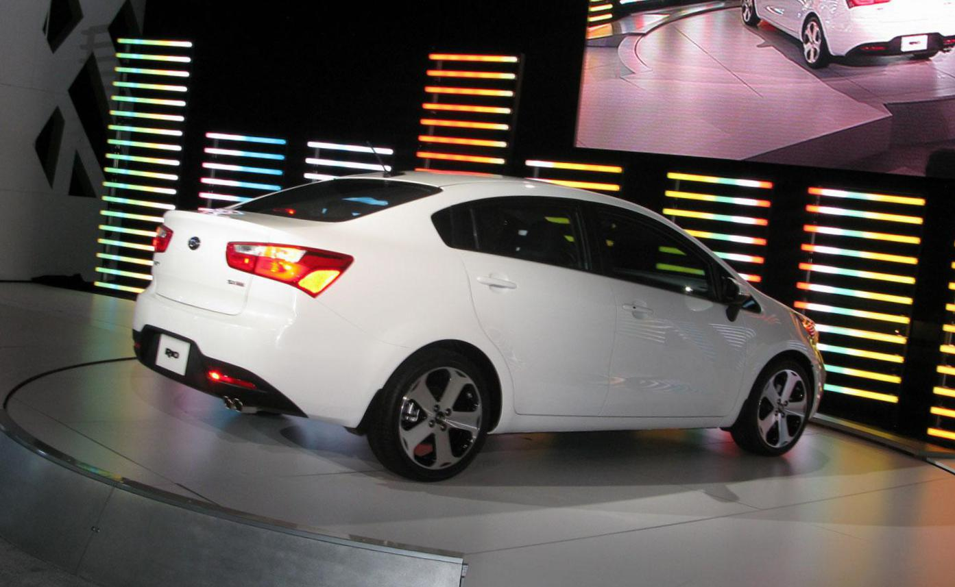 Rio Sedan KIA how mach 2014