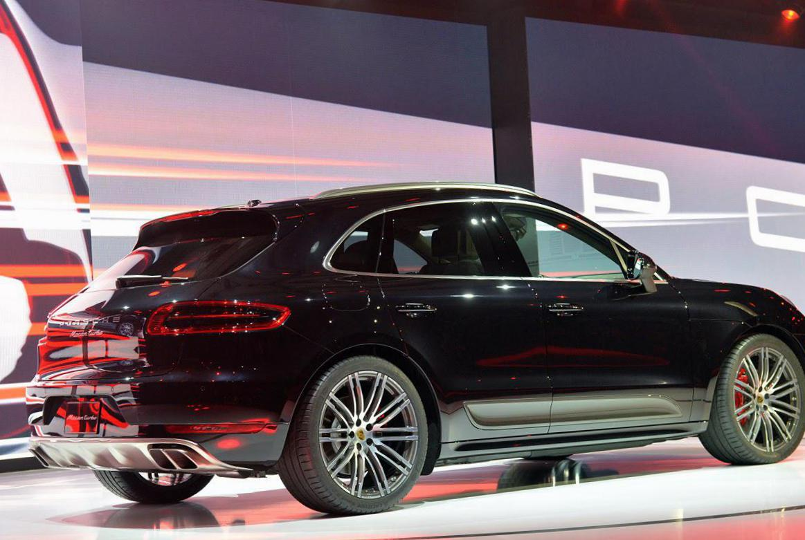 Macan Turbo Porsche approved hatchback