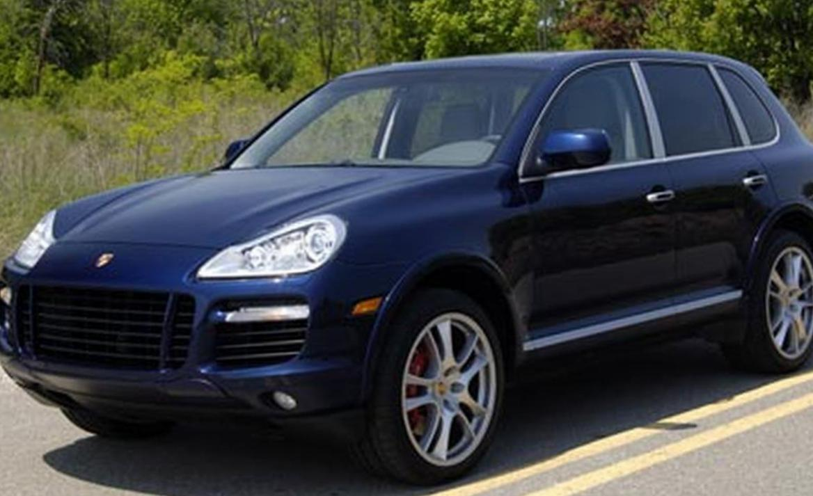 Cayenne Turbo Porsche how mach sedan