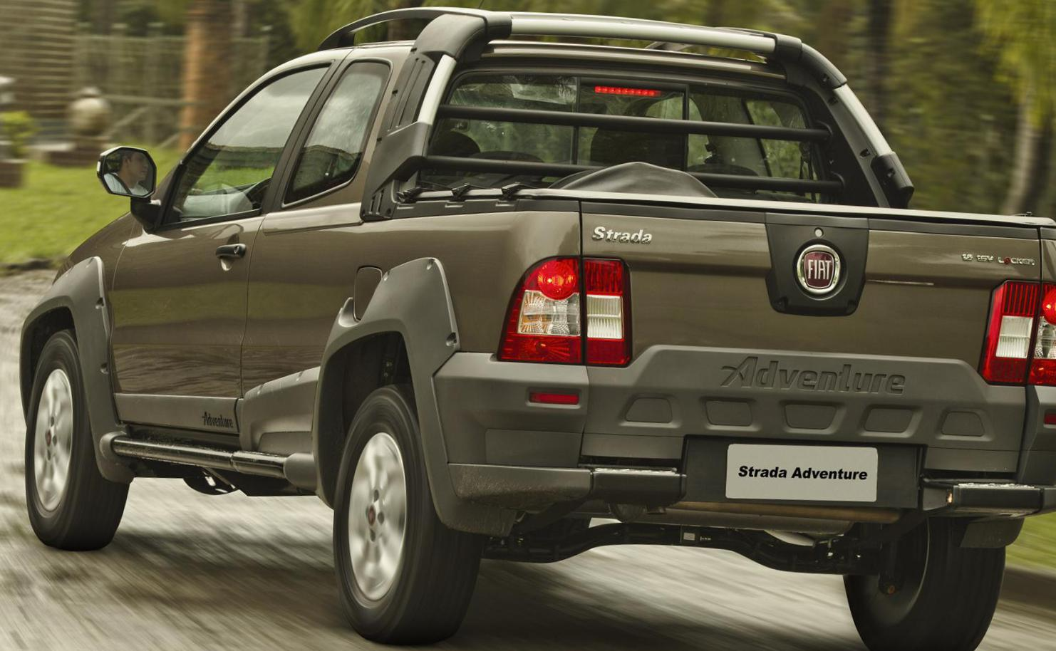 Fiat Strada Working specs hatchback
