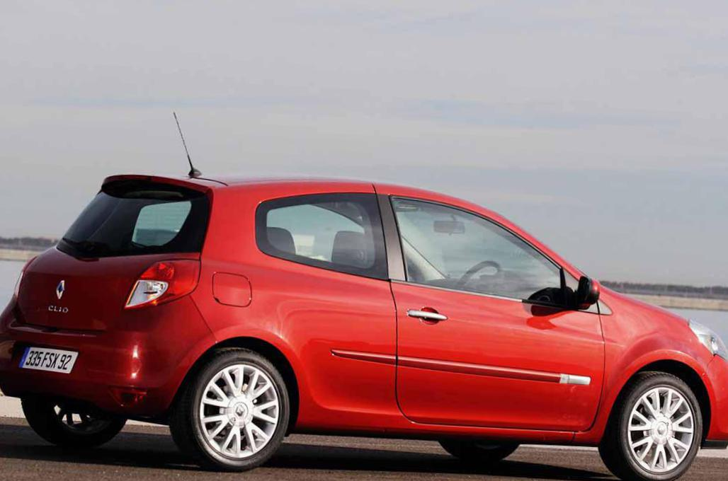 Clio R.S. Renault parts hatchback
