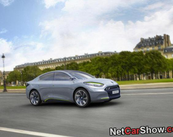 Renault Fluence approved coupe