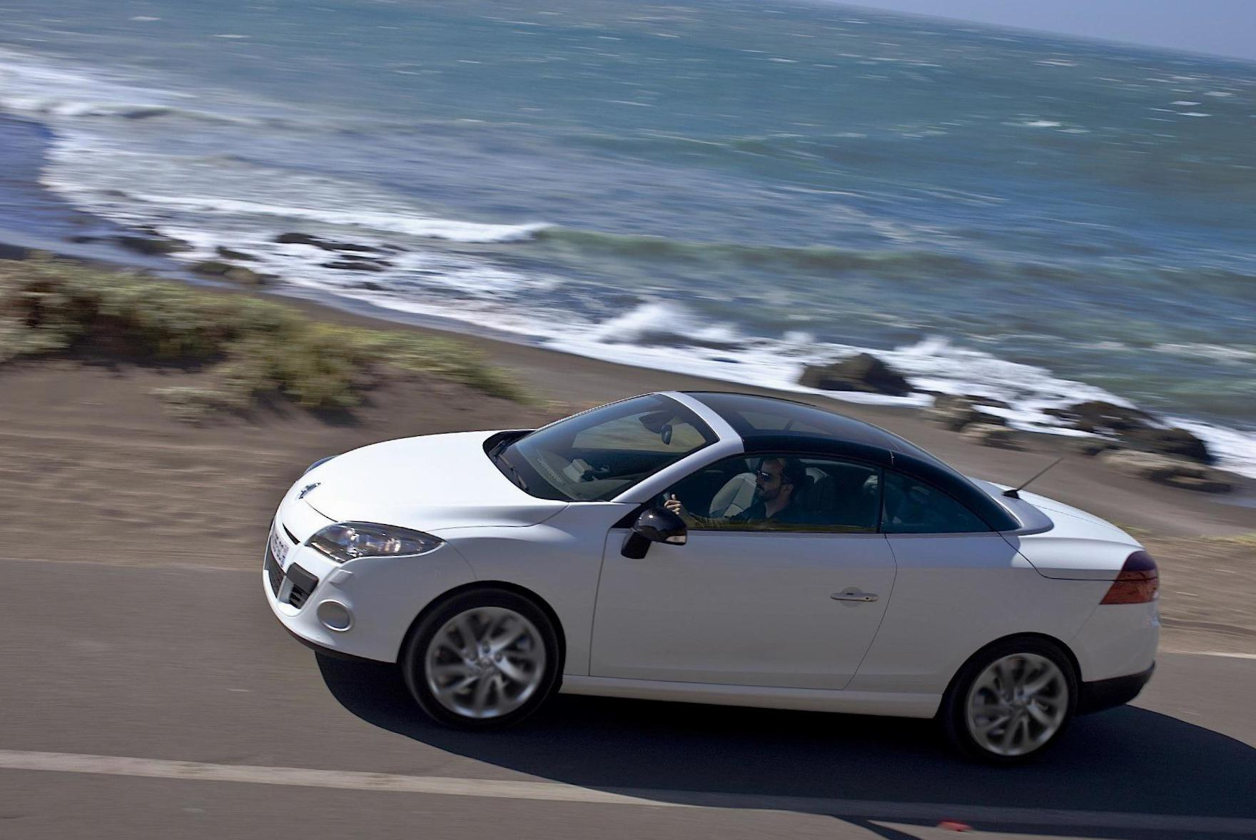 Renault Megane Coupe usa hatchback