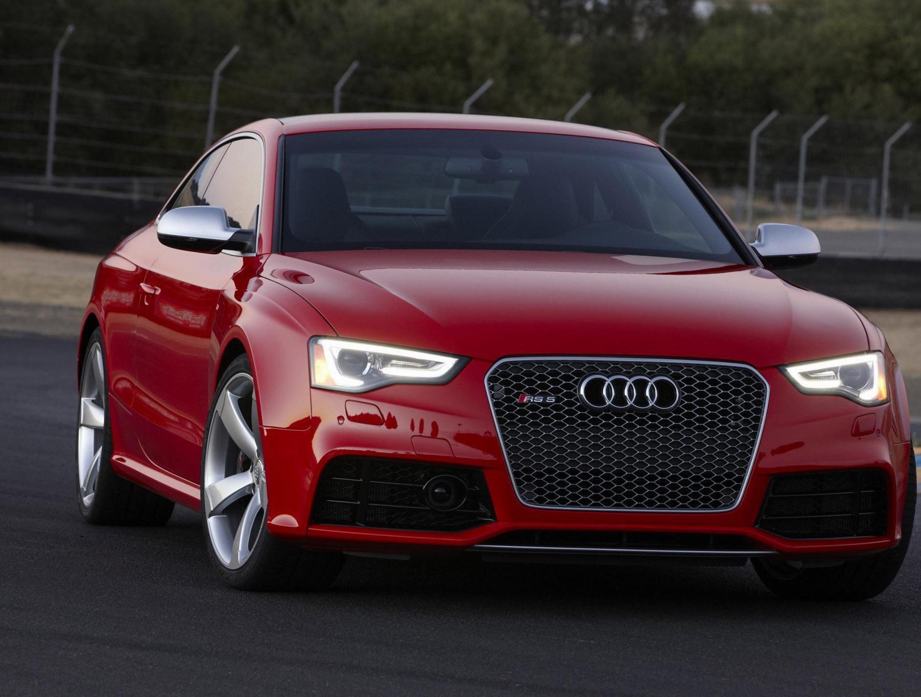 Kelebihan Audi Rs5 2012 Spesifikasi