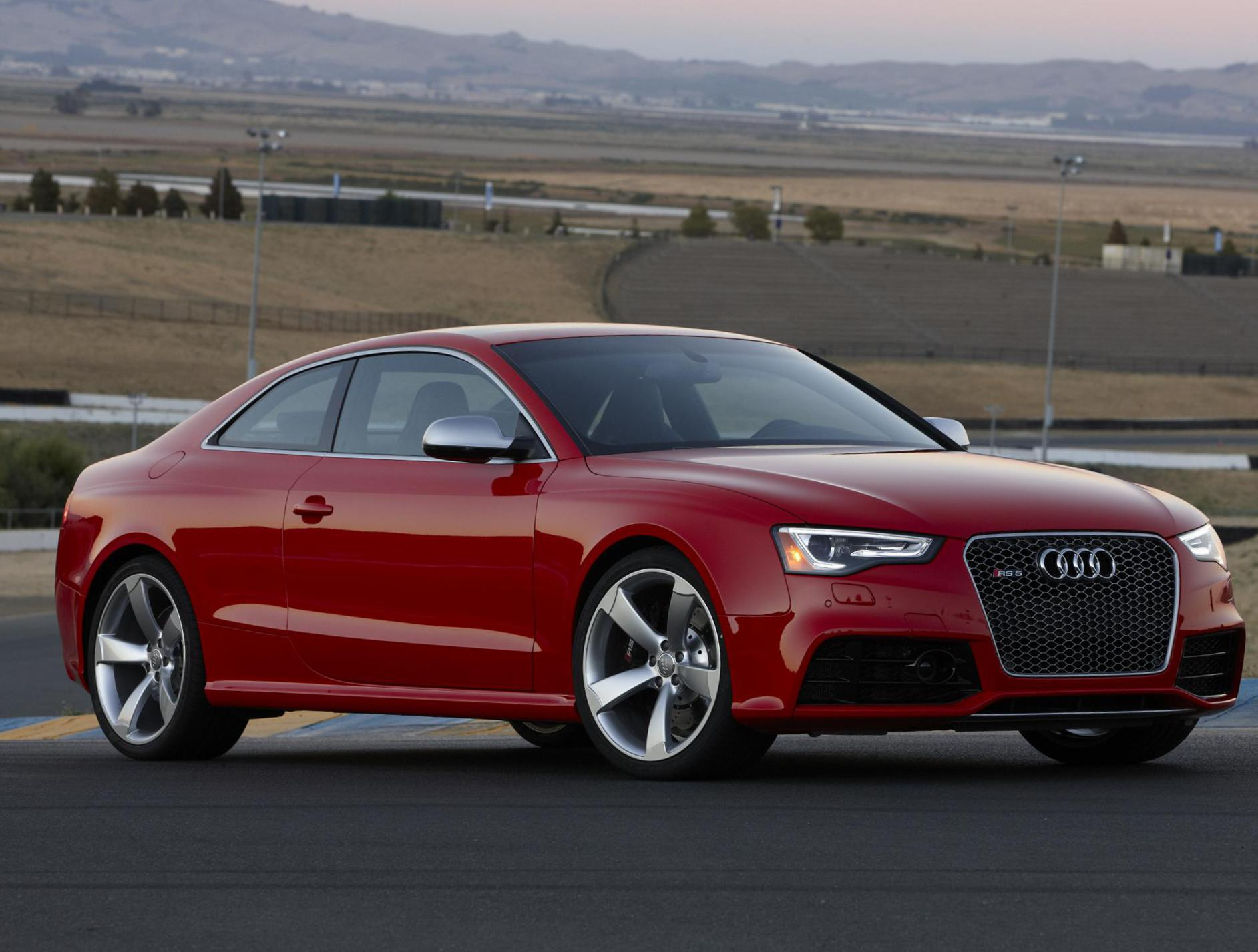 Audi RS5 Coupe Specification hatchback