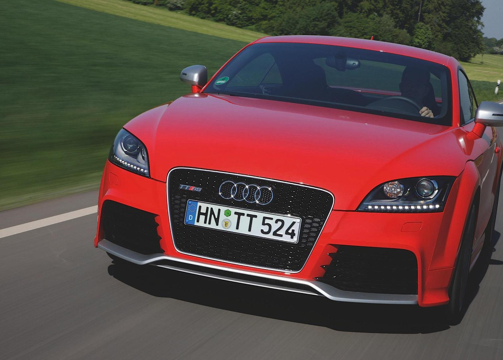Audi TT RS Coupe spec 2015