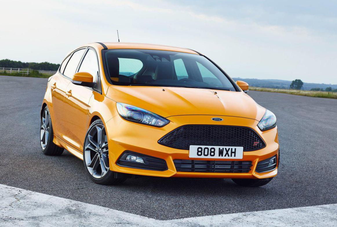 Ford Focus ST Photos and Specs  Photo: Focus ST Ford tuning