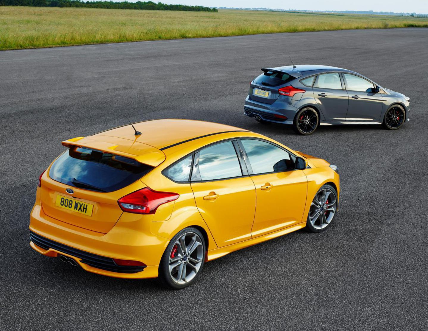 Ford Focus ST tuning hatchback