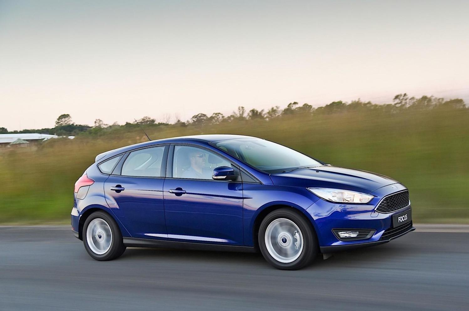 Ford Focus 5 doors review 2010