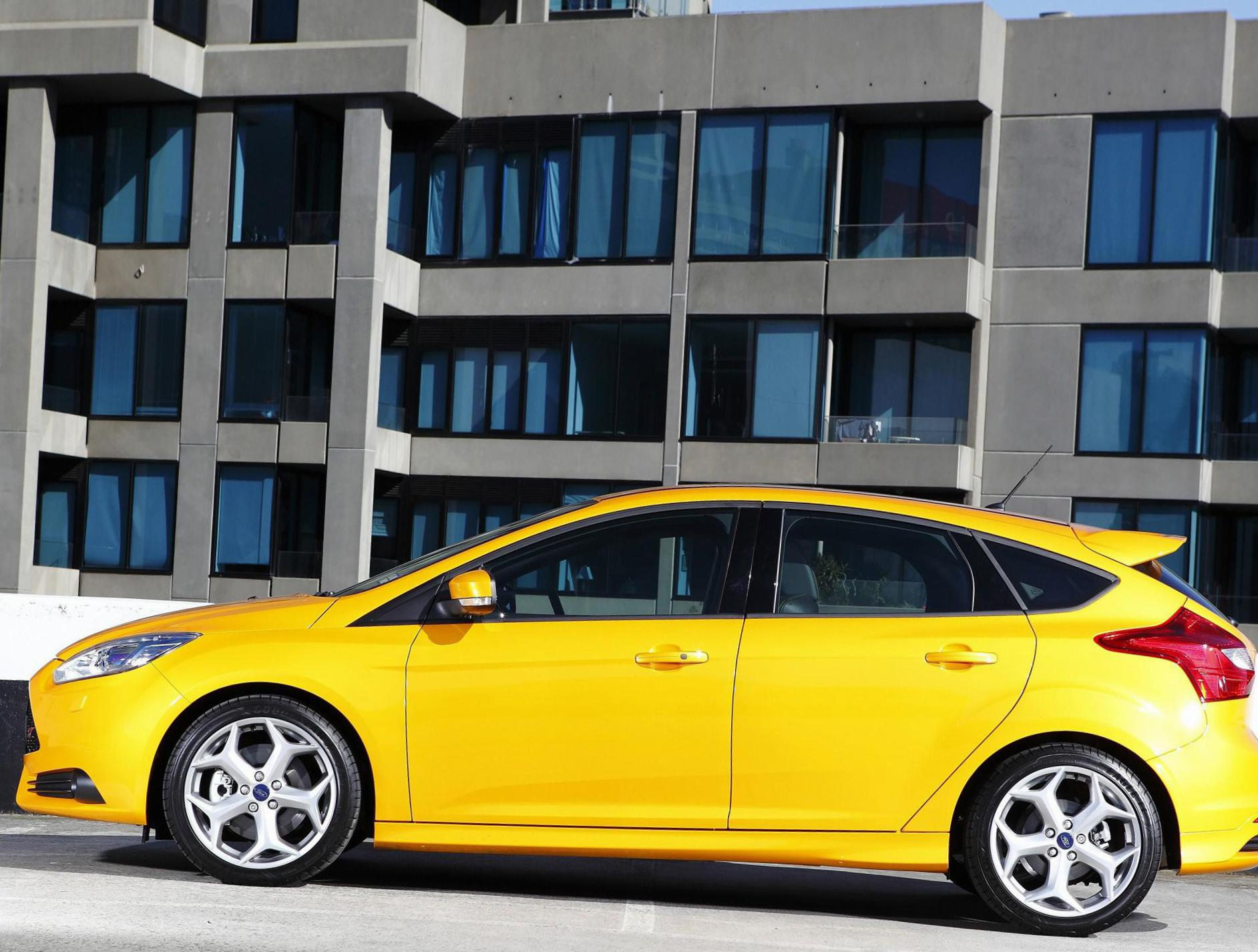 Ford Focus ST 5 doors review 2015