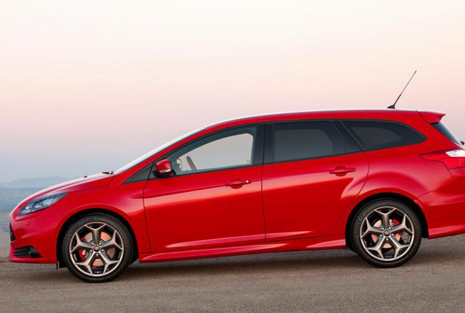 Ford Focus ST Wagon models hatchback