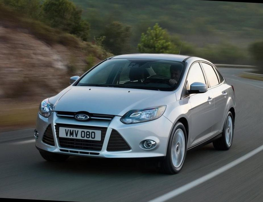 Focus Sedan Ford Characteristics hatchback