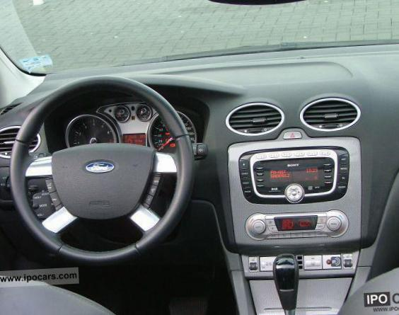 Focus Coupe-Cabriolet Ford Specifications sedan