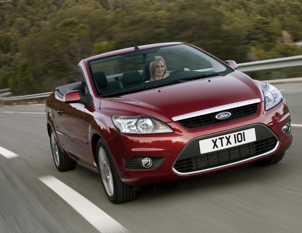 Ford Focus Coupe-Cabriolet configuration hatchback