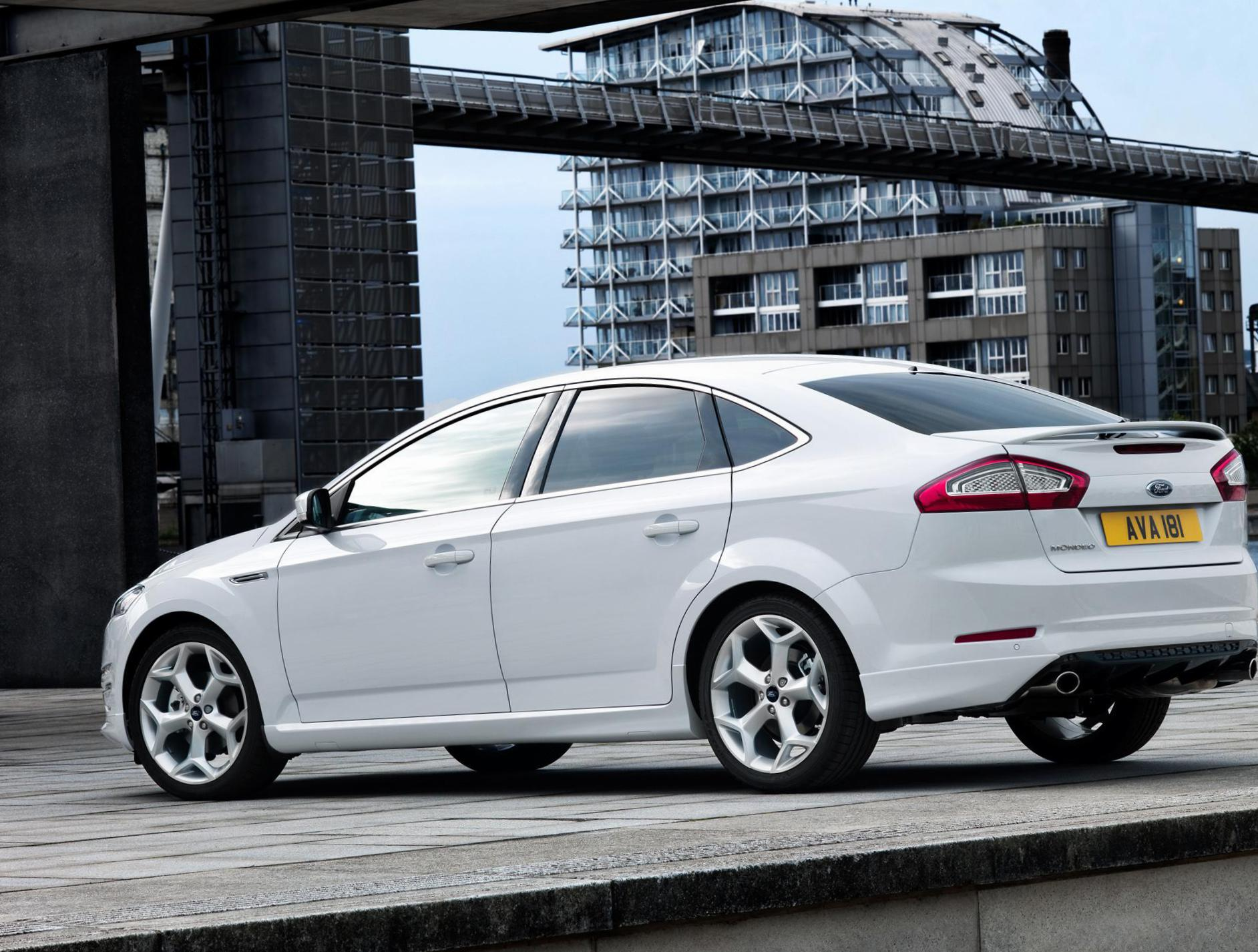 Mondeo Hatchback Ford review 2012