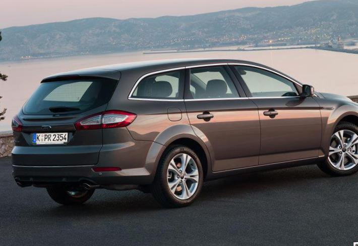 Ford Mondeo Wagon specs 2011
