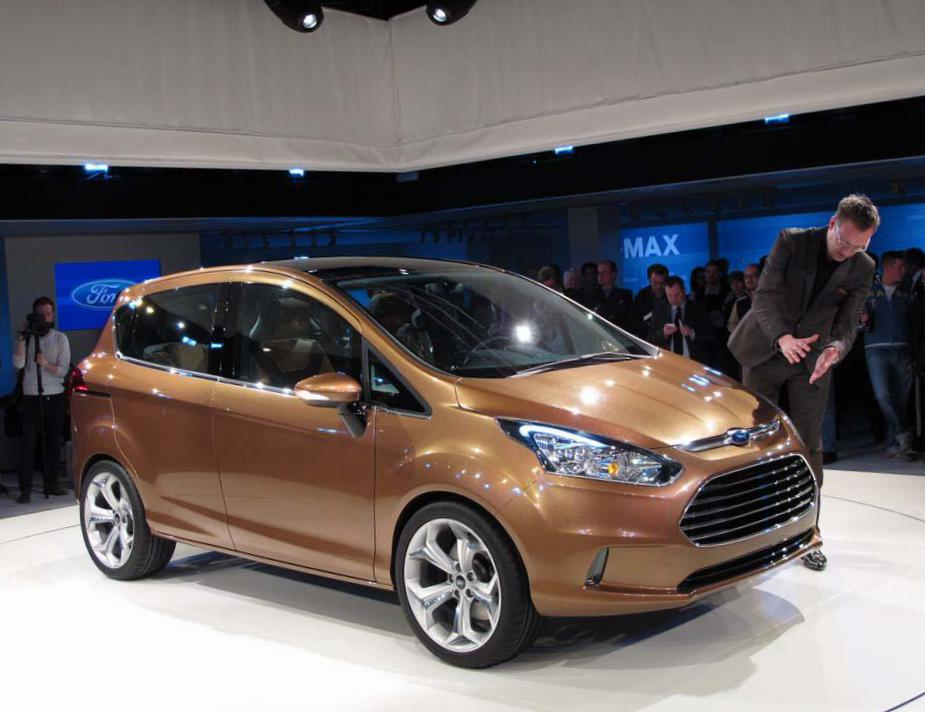 B-Max Ford cost 2012