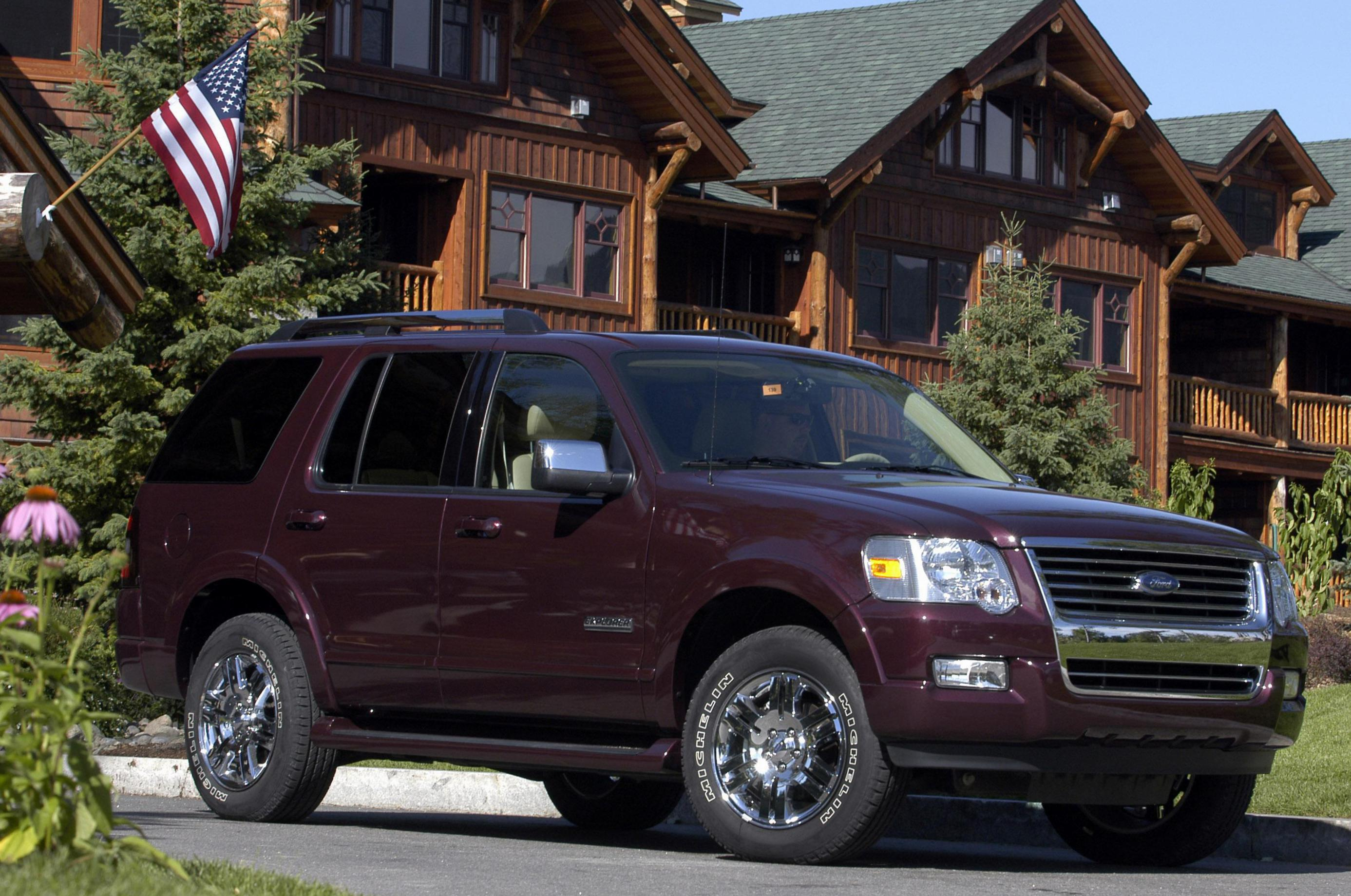 Ford Explorer Models >> Ford Explorer Photos And Specs Photo Ford Explorer Models