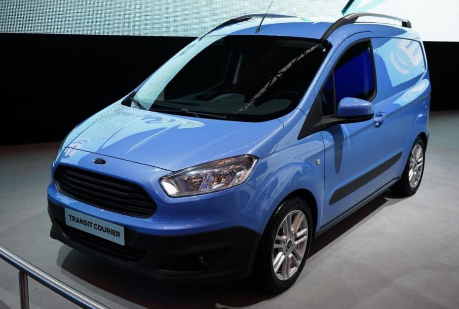 Transit Courier Ford for sale 2015