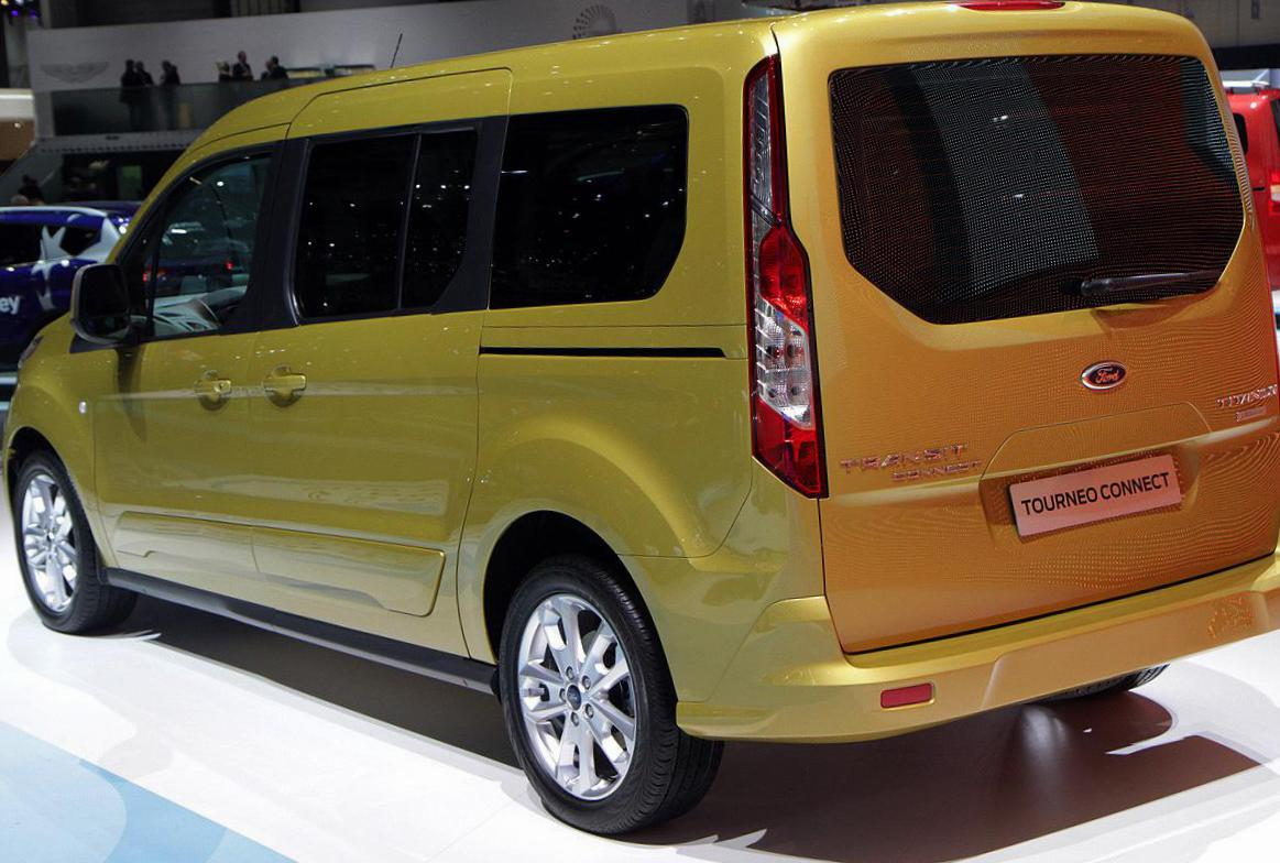 Ford Tourneo Connect specs 2015