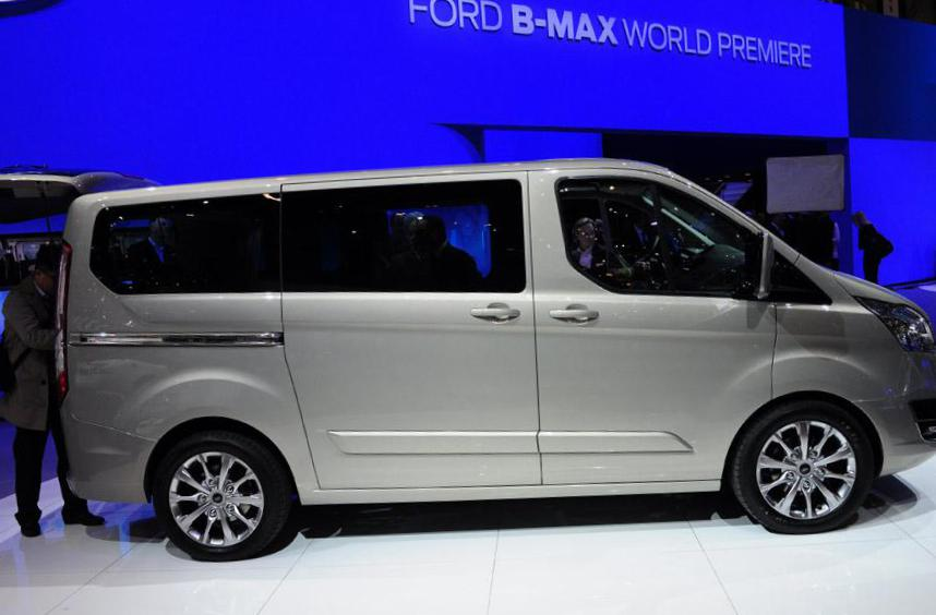 Ford Tourneo Custom usa 2015