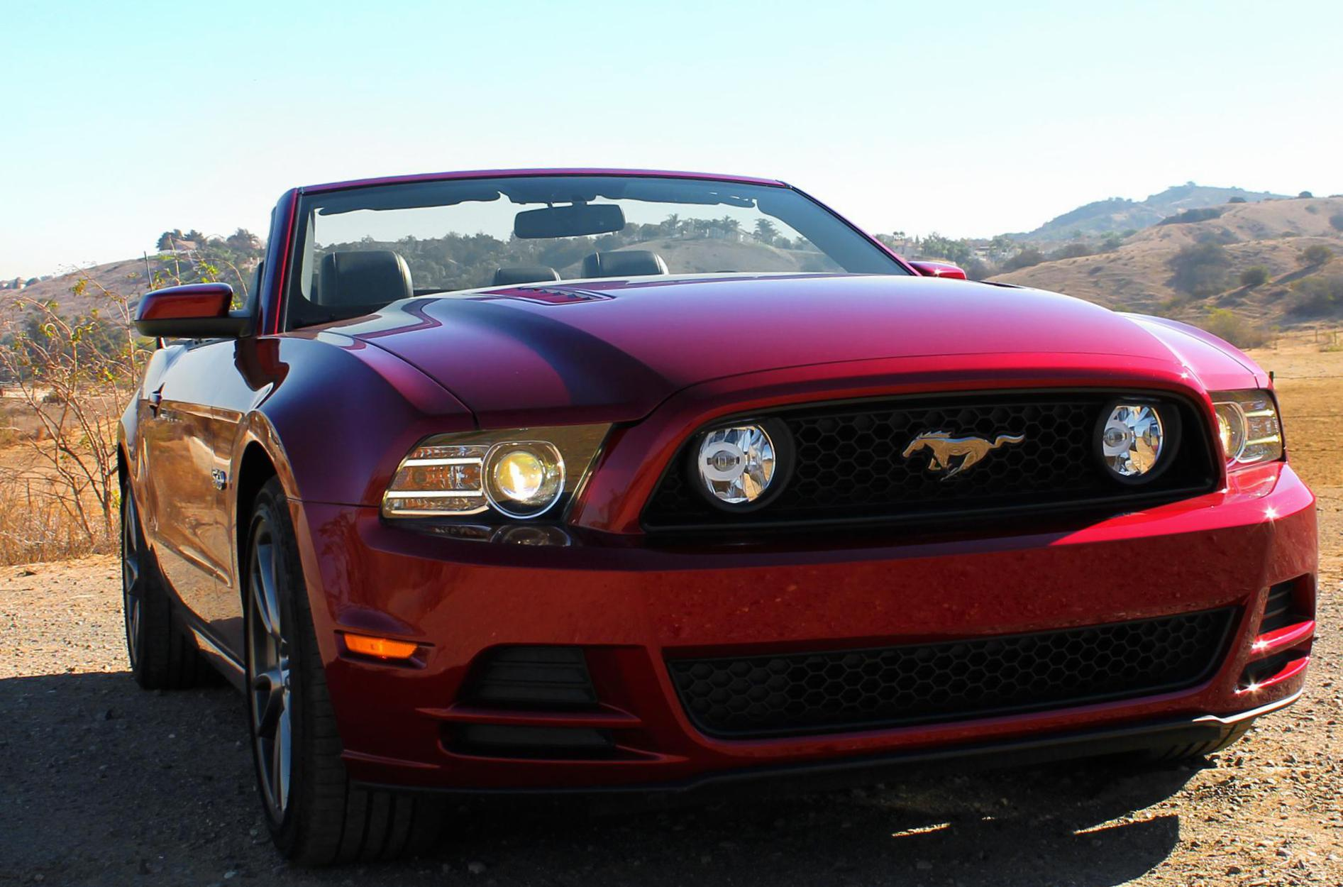 Ford Mustang Convertible configuration 2015