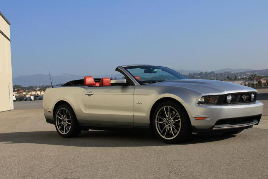 Mustang Convertible Ford models 2014