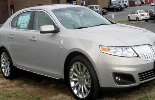 Lincoln MKS reviews sedan
