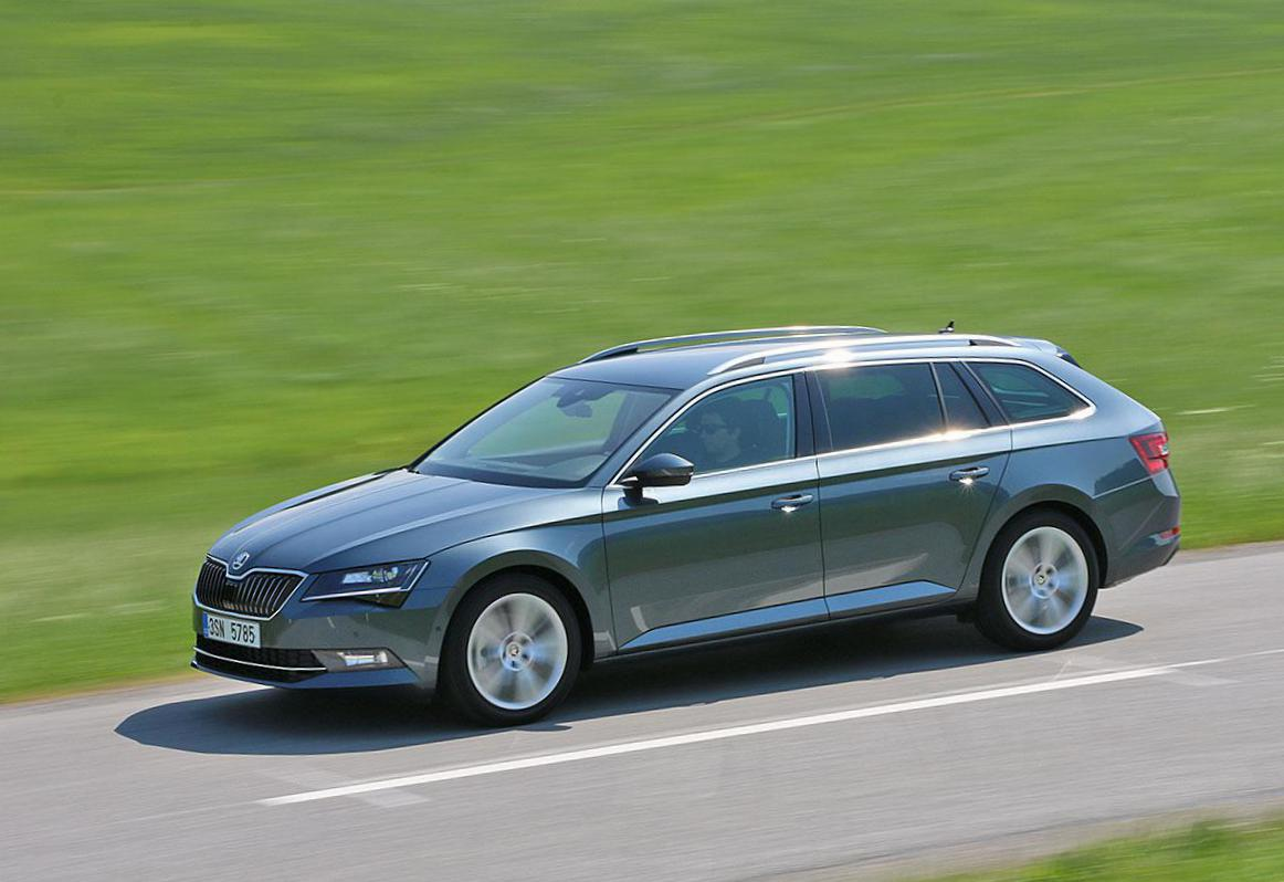 Skoda Superb Combi price liftback