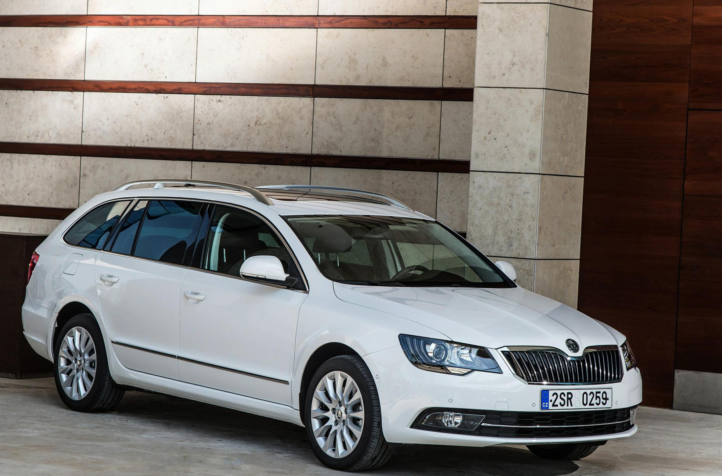 Skoda Superb Combi prices hatchback
