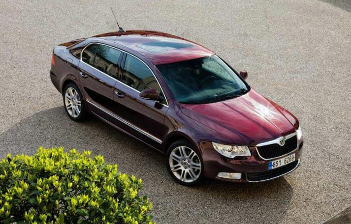 Skoda Superb spec minivan
