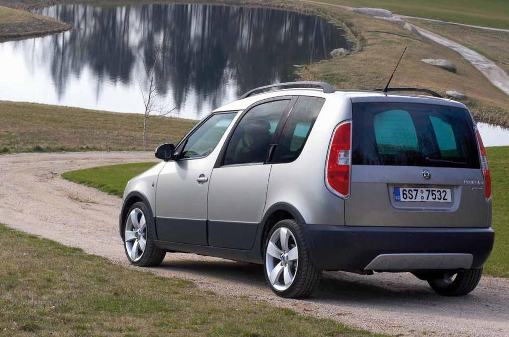 Skoda Roomster Scout Photos And Specs Photo Skoda Roomster Scout