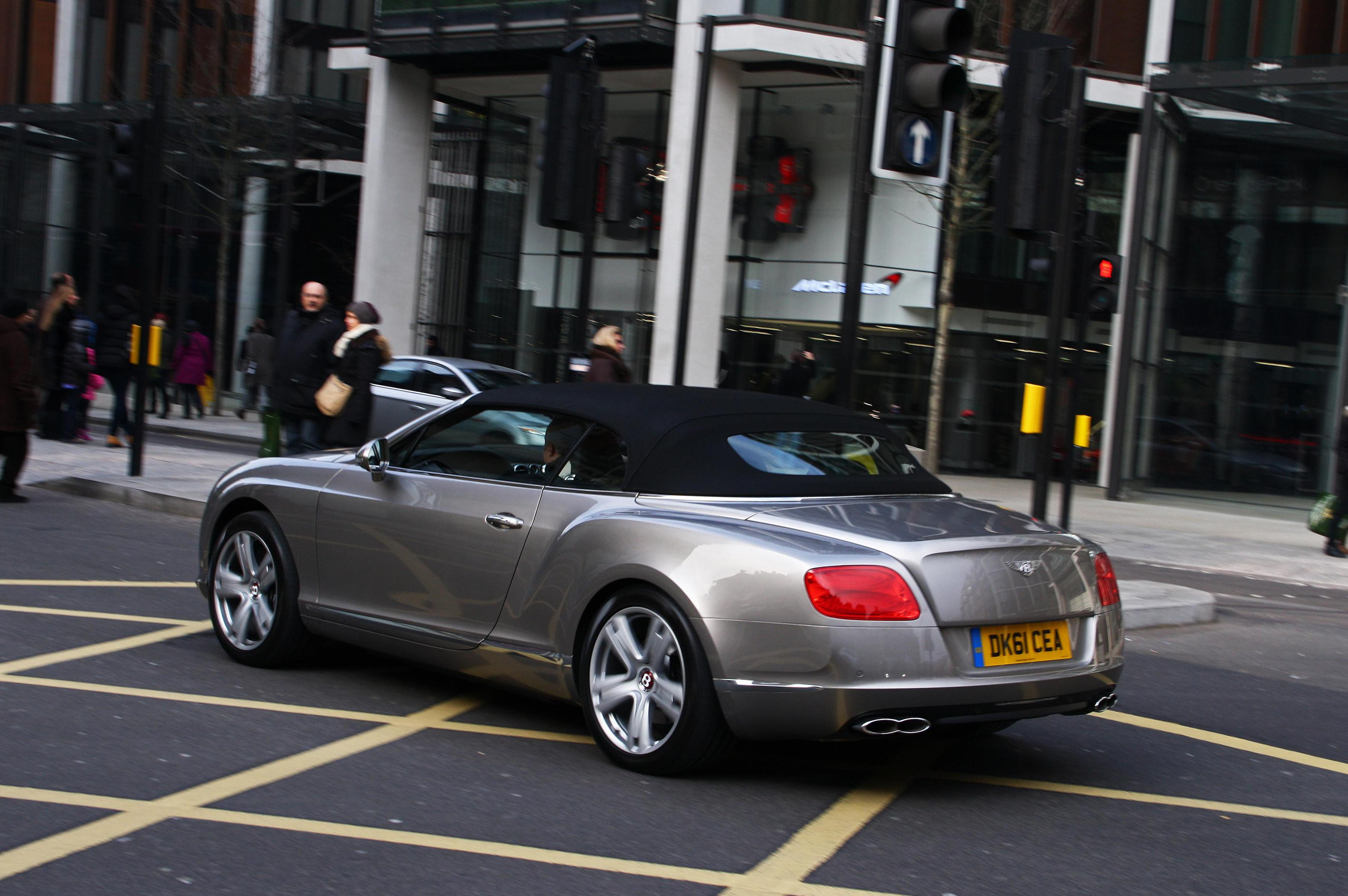 Bentley Continental GTC V8 spec 2011