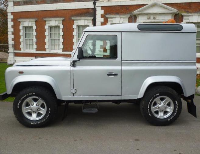 90 Hard Top Land Rover approved 2009