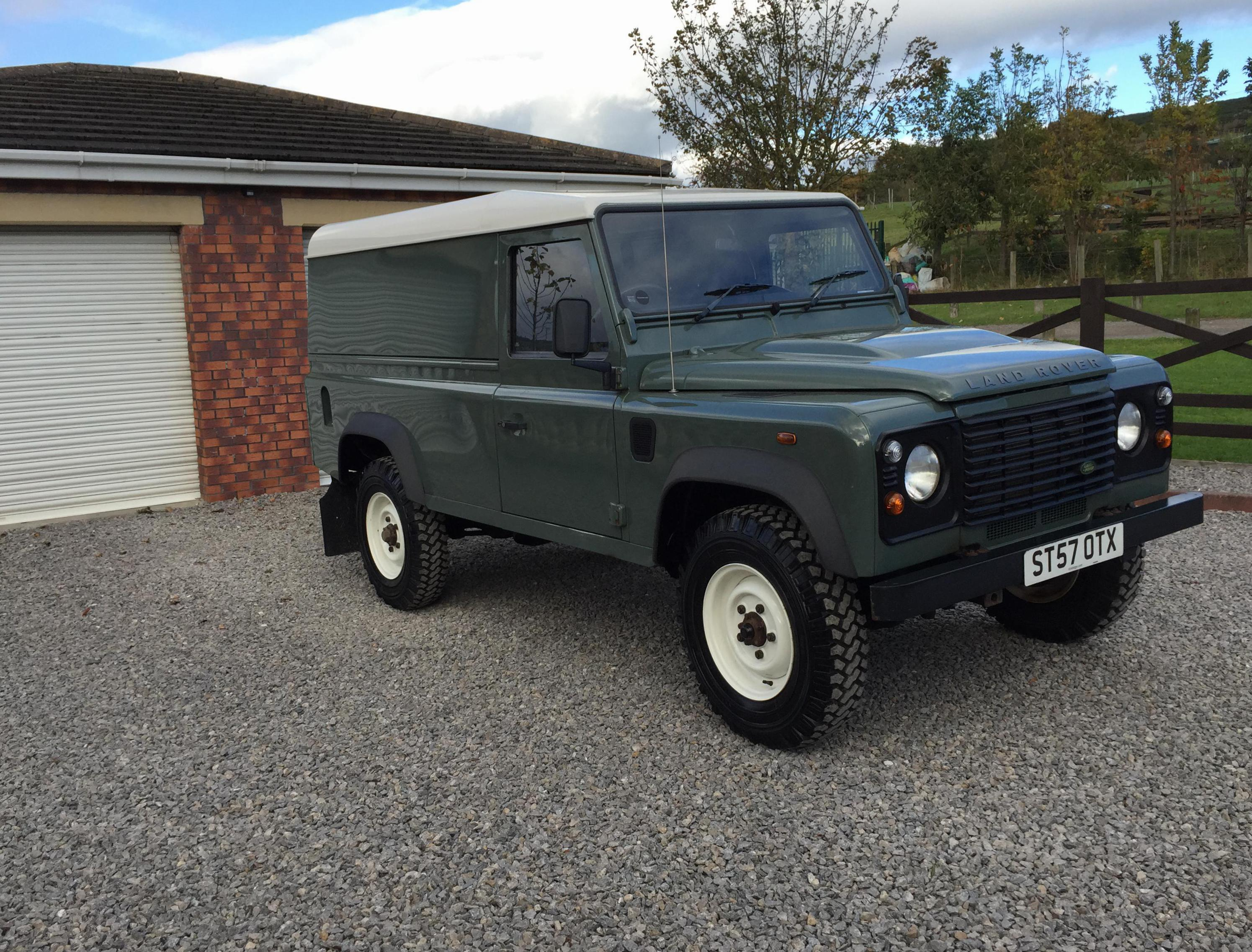 110 Hard Top Land Rover spec 2009