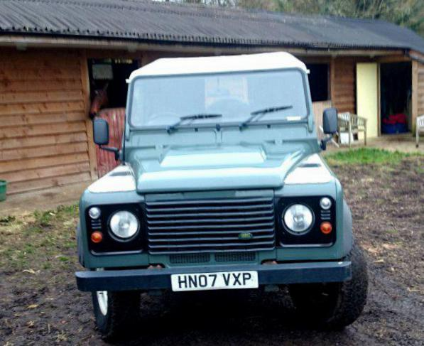Land Rover 110 Hard Top Characteristics sedan