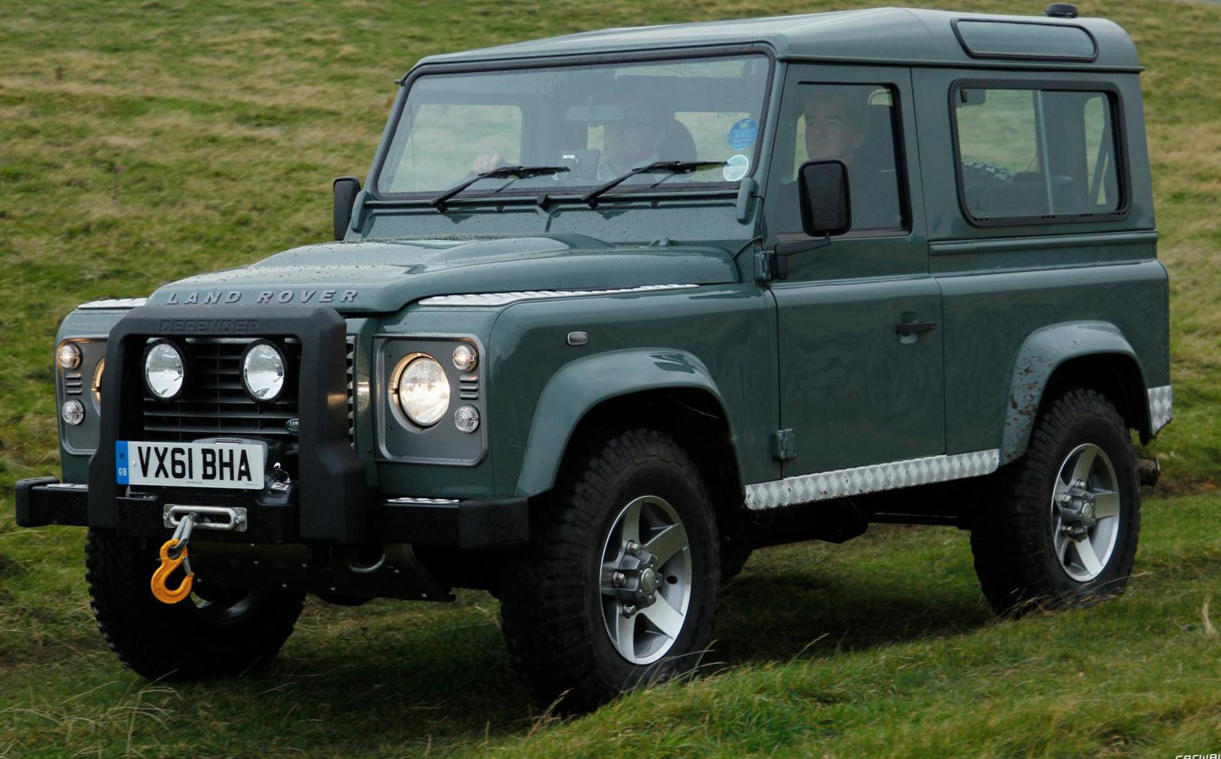90 Single Cab Pick Up Land Rover cost 2014