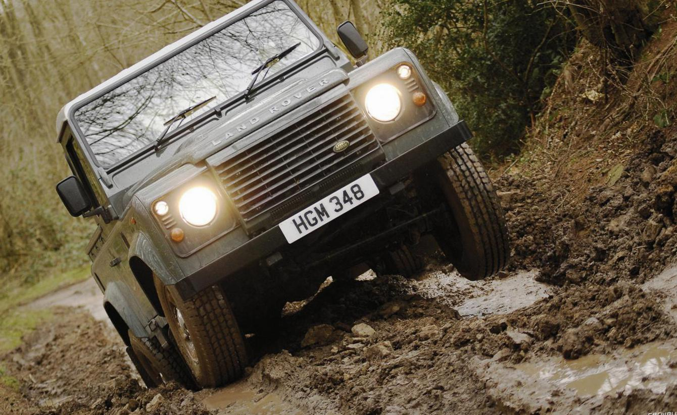 Land Rover 110 Single Cab Pick Up auto 2013