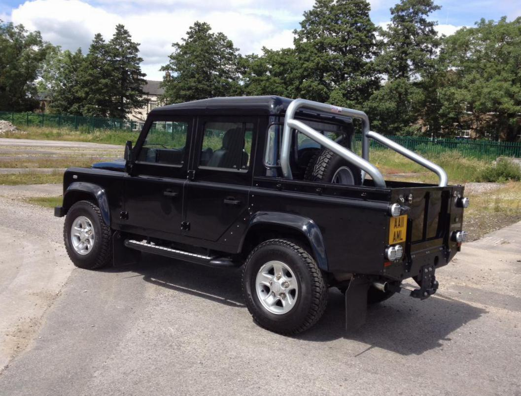 Land Rover 110 Double Cab Pick Up model suv