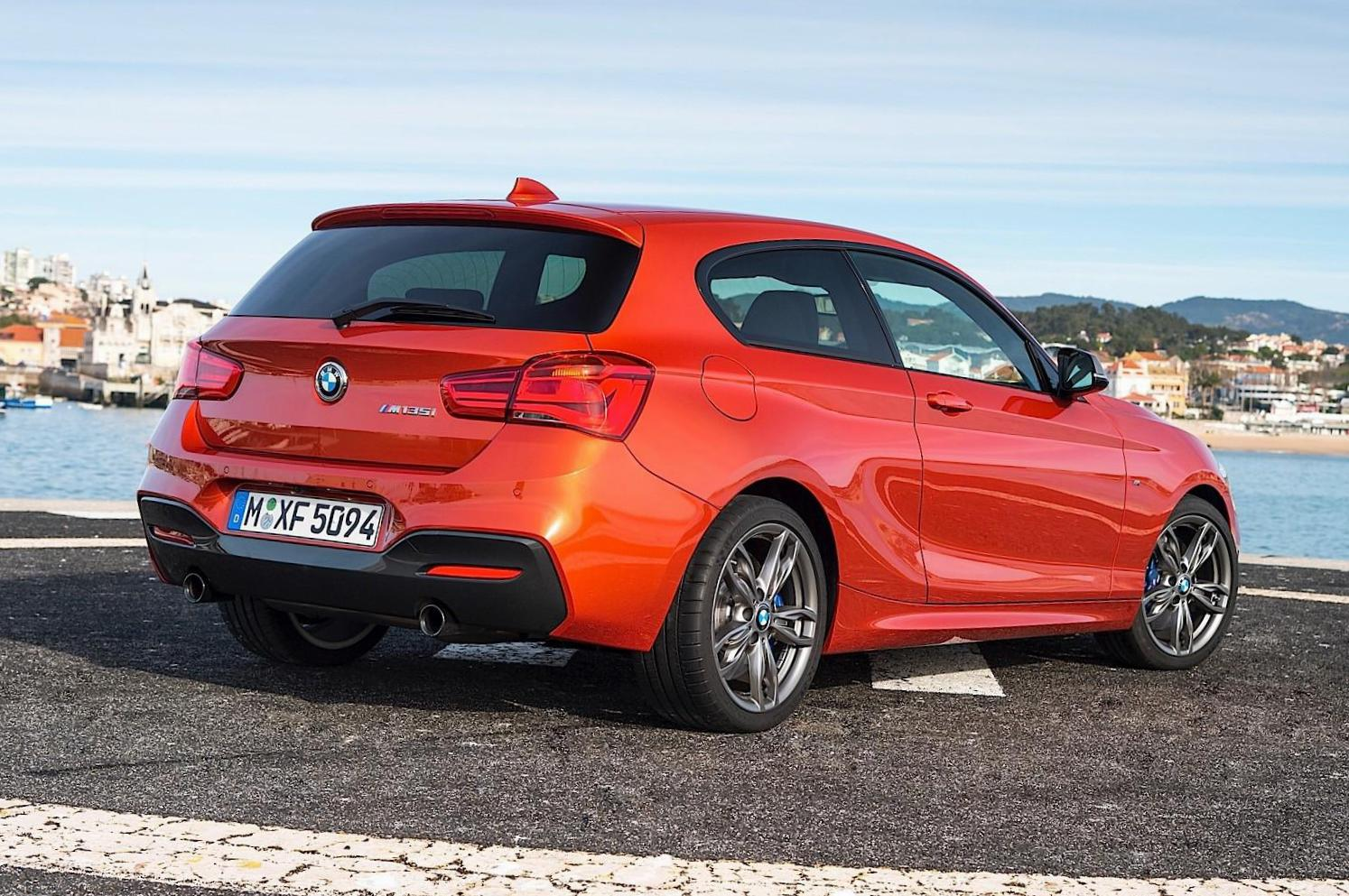 BMW 1 Series 3 doors (F21) configuration 2015