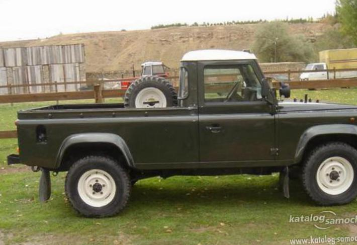 Land Rover 130 Double Cab Pick Up reviews 2015