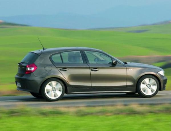 BMW 1 Series 5 doors (E87) price 2015
