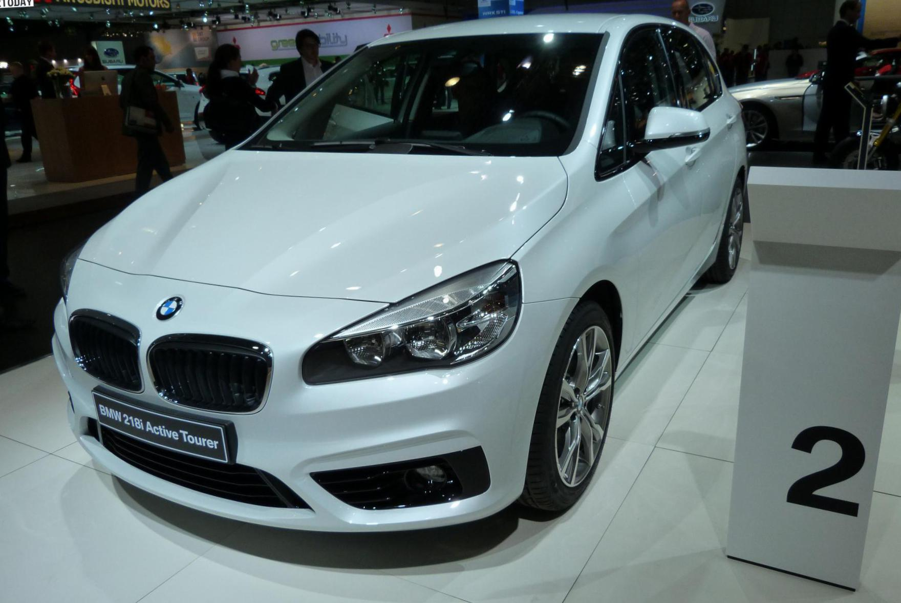 BMW 2 Series Active Tourer (F45) Specification minivan