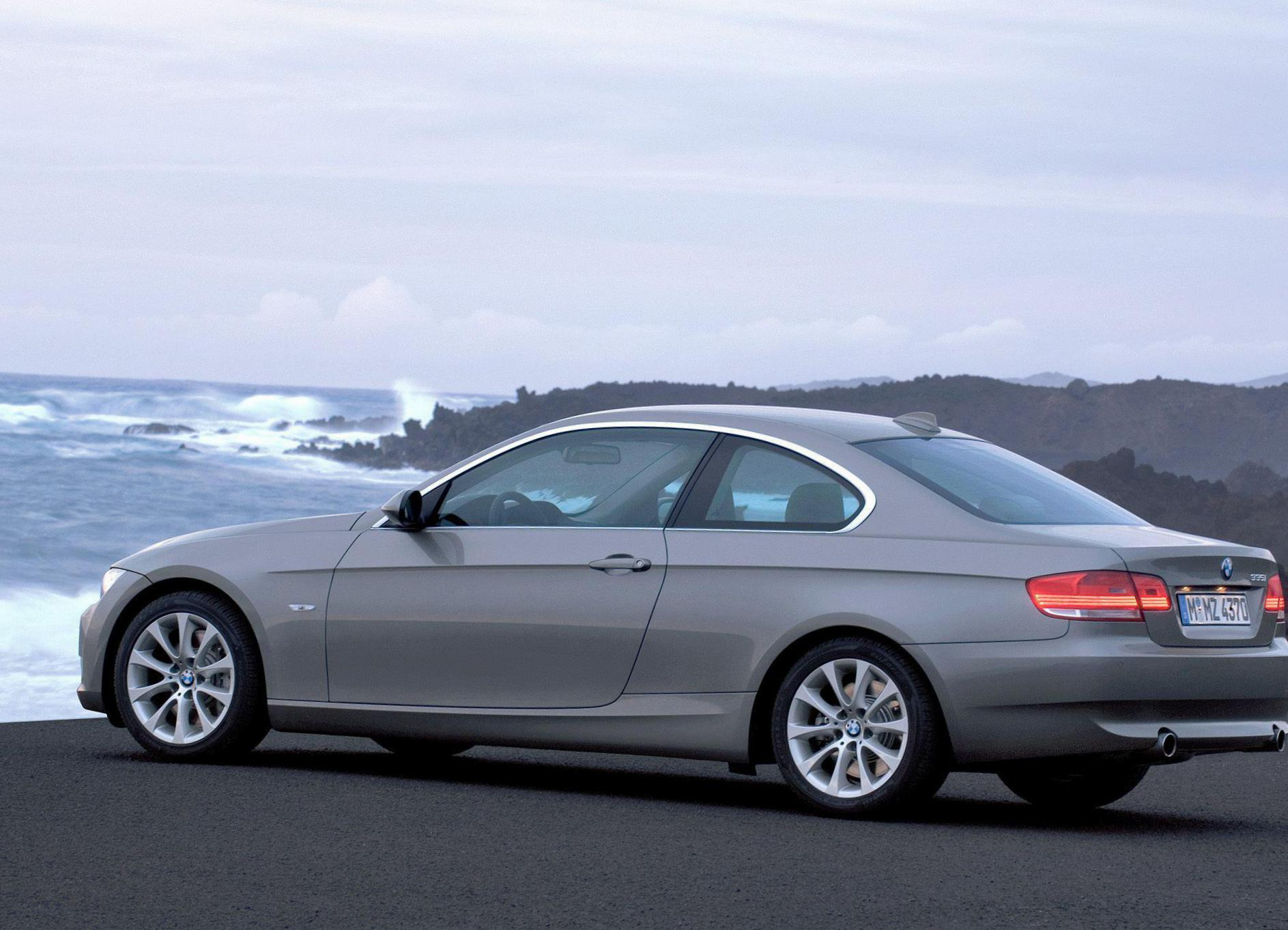 3 Series Coupe (E92) BMW Characteristics hatchback