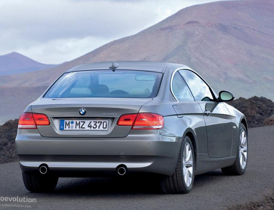 3 Series Coupe (E92) BMW review 2010