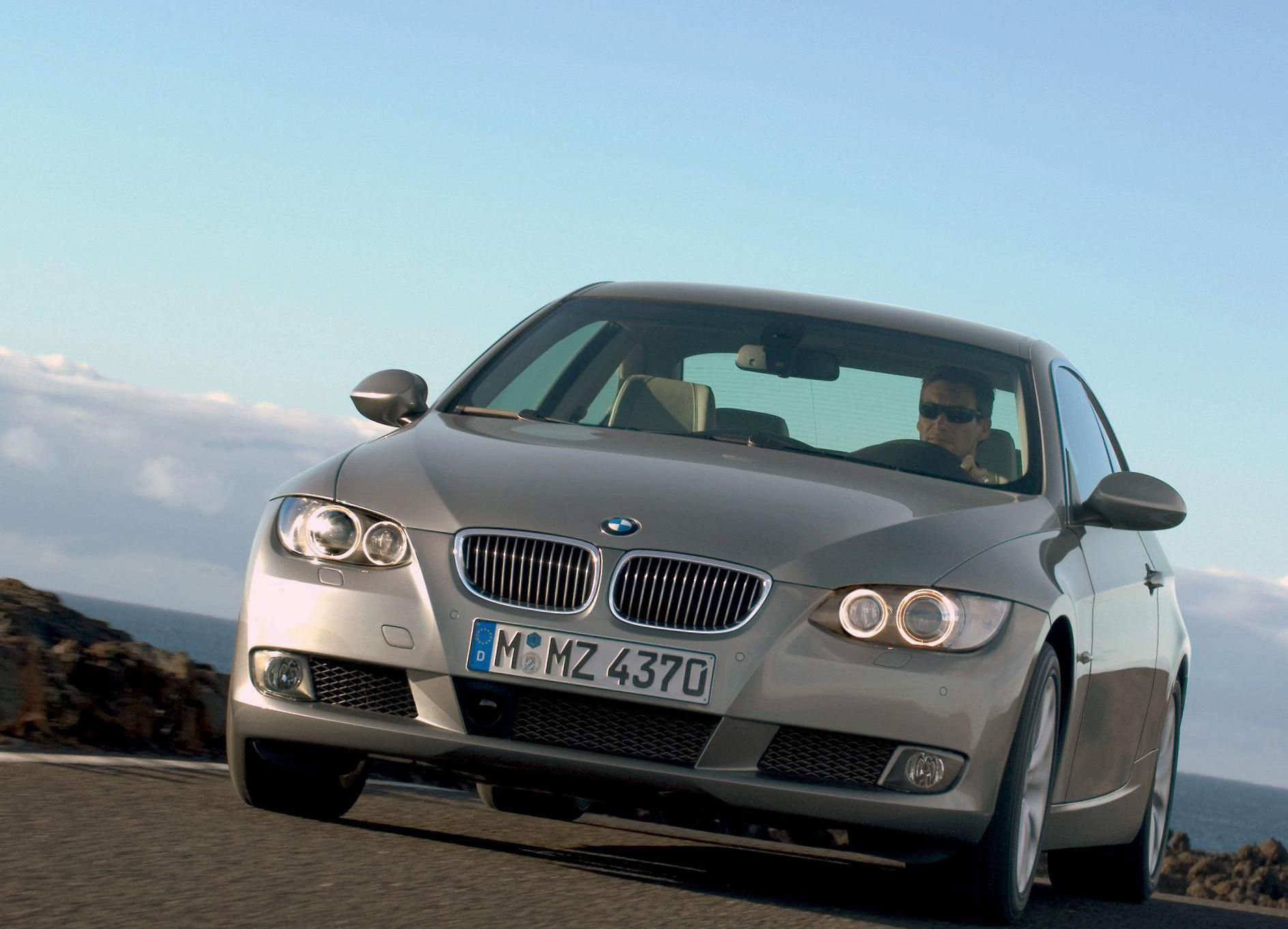 BMW 3 Series Coupe (E92) reviews 2012