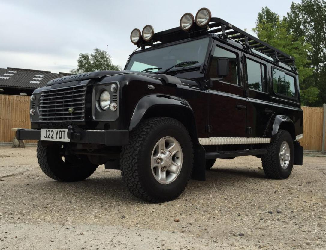 Land Rover 110 Station Wagon Characteristics hatchback