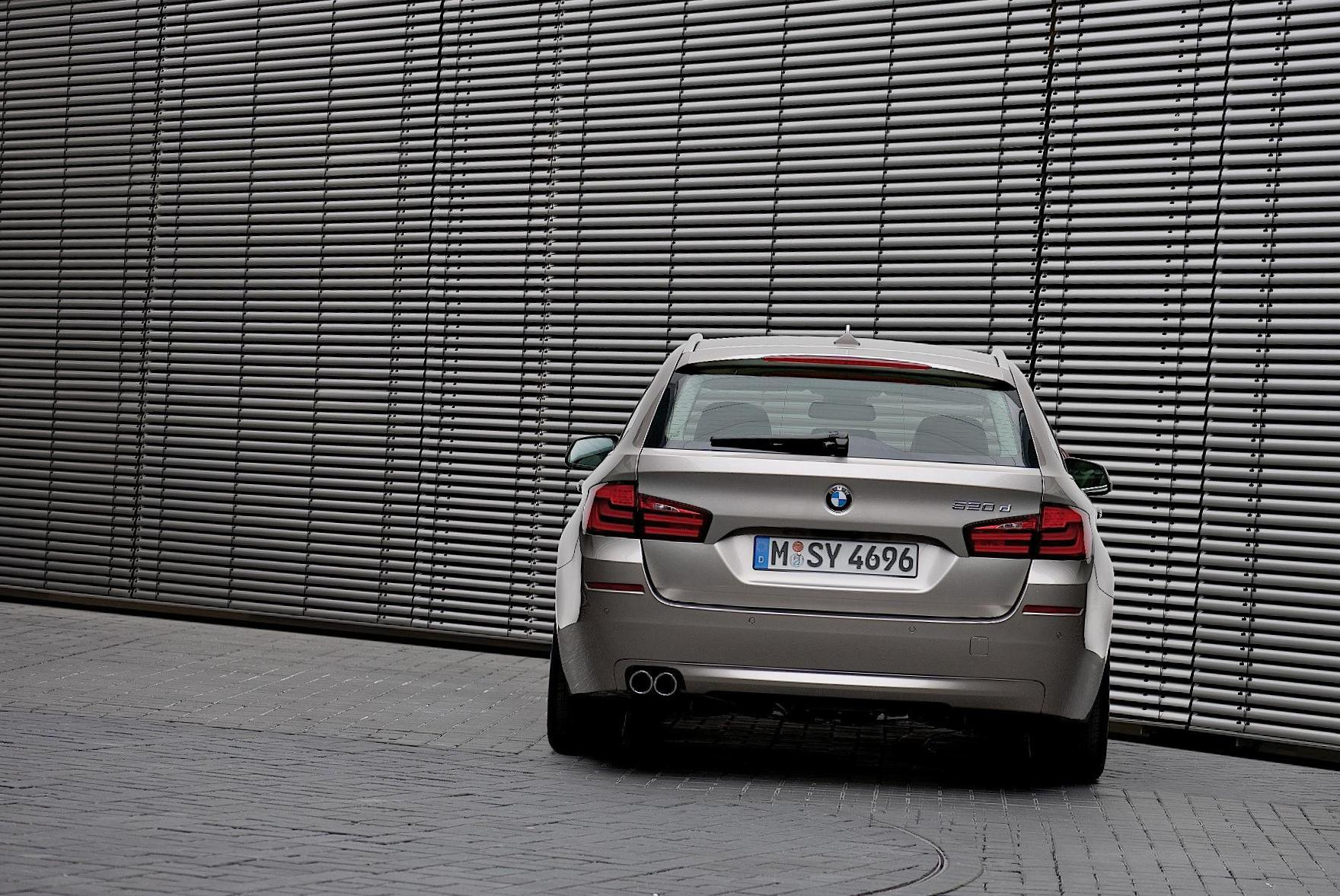 BMW 5 Series Touring (F11) review 2009